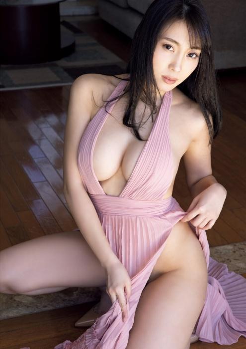 森咲智美_グラドル_ハミ乳_FRIDAY_02
