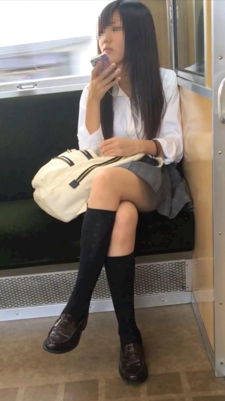 電車_太もも_JK_盗撮_エロ画像_07