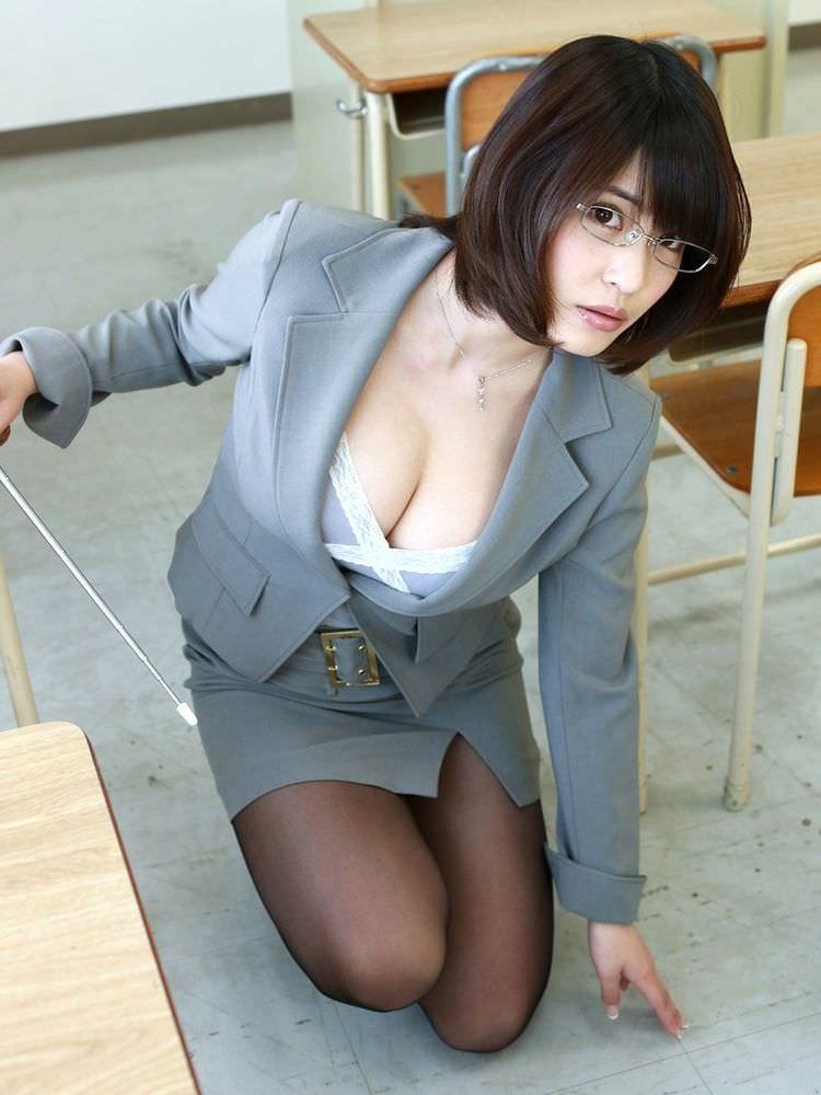 女教師_教室_セクシー_エロ画像_05