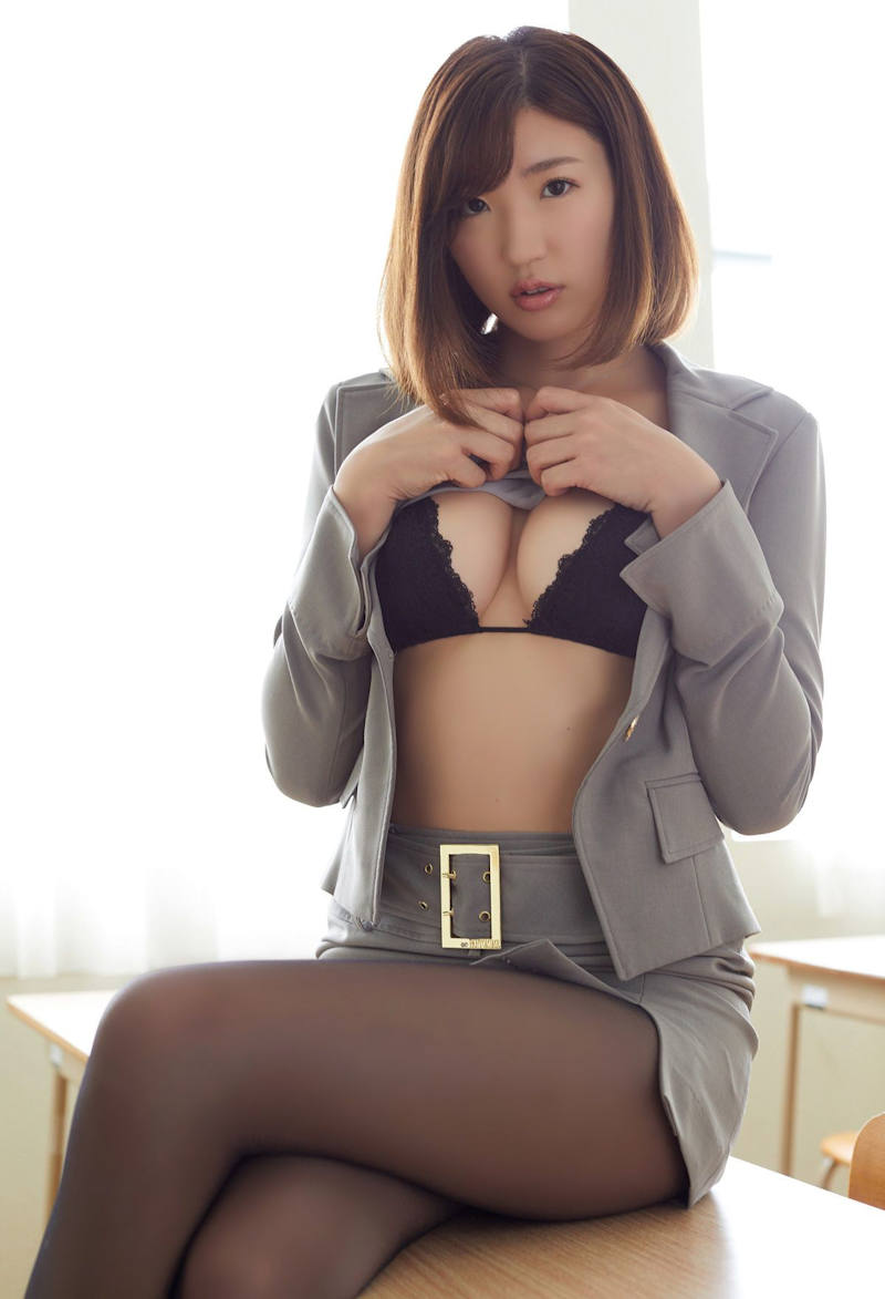 女教師_教室_セクシー_エロ画像_18