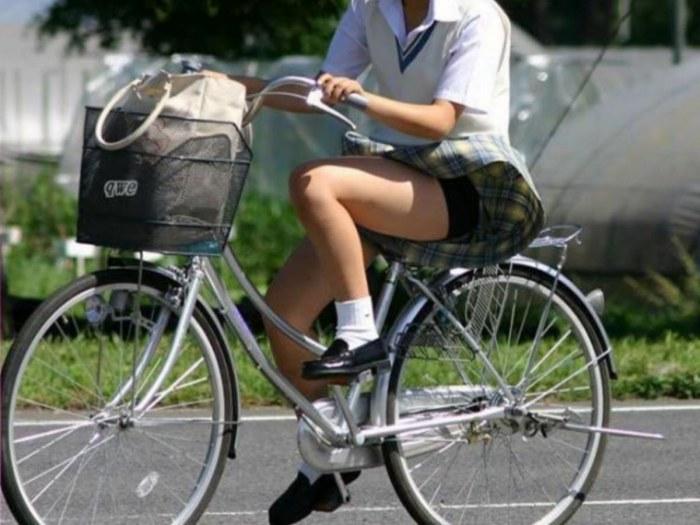 JK_パンチラ_自転車_盗撮_エロ画像_09