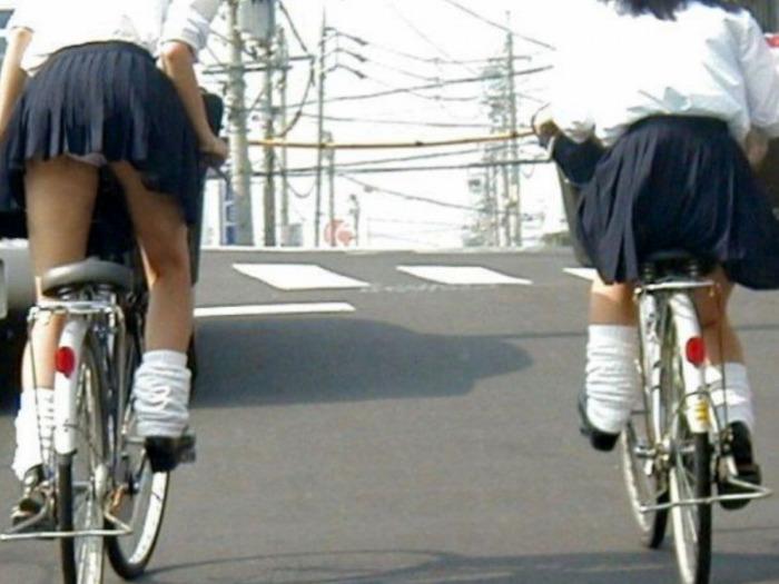 JK_パンチラ_自転車_盗撮_エロ画像_18