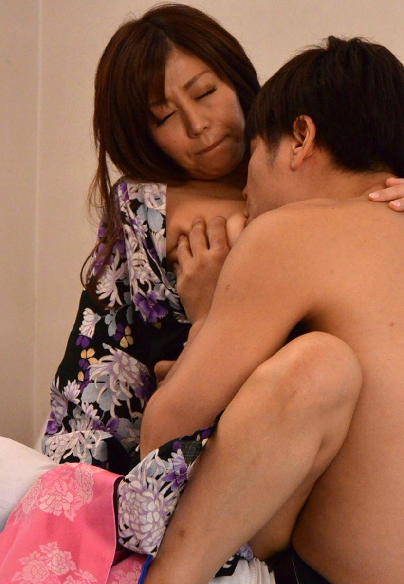 浴衣_和服_着衣セックス_エロ画像_11